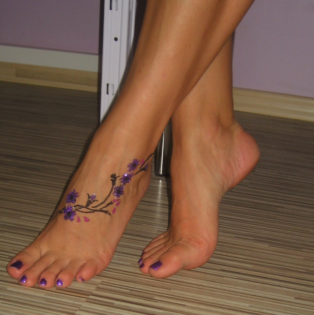 Рисунок на ноге своими руками 50